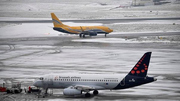 """Mitad de vuelos en Europa podrían demorarse por problema técnico"""""""