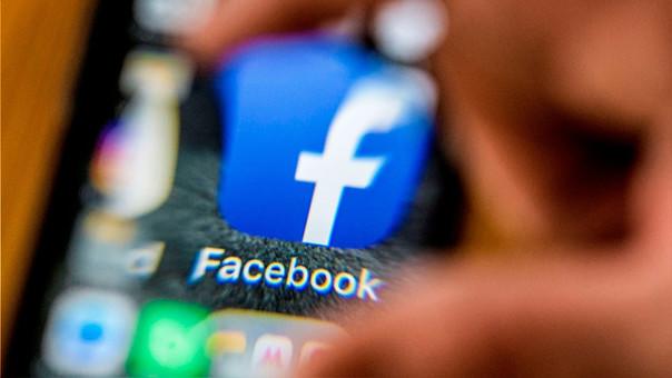 Facebook enfrenta un escándalo por la filtración de datos de sus usuarios.