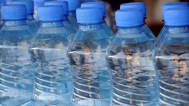 A nivel nacional, año tras año los hogares han comprado más agua por vez, hasta llegar a un pico de 3.3 litros.