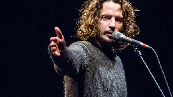 Hijos de Chris Cornell reciben premio póstumo con emotivo discurso