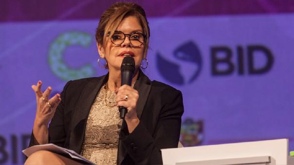 Mercedes Aráoz: La participación de la mujer en el trabajo reduce violencia de género.