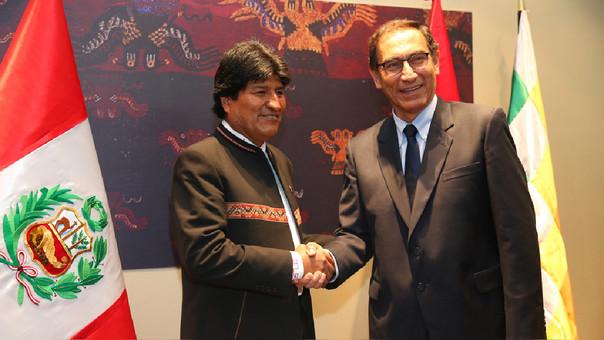 Presidentes Evo Morales y Martín Vizcarra acuerdan la construcción del corredor ferroviario bioceánico.