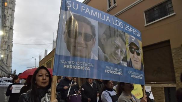 Amigos y familiares de los periodistas asesinados marcharon el pasado 5 de abril exigiendo su búsqueda.
