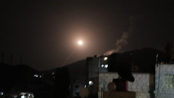 Estados Unidos, Reino Unido y Francia atacaron objetivos sirios la noche del viernes (madrugada del sábado en Siria).