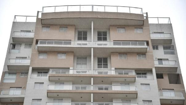 Vista del lujoso apartamento junto al mar de Solaris, donde el ex presidente brasileño Luiz Inácio Lula Da Silva presuntamente posee un apartamento triplex, en la playa de Asturias en Guaruja, a unos 90 km de Sao Paulo, Brasil.