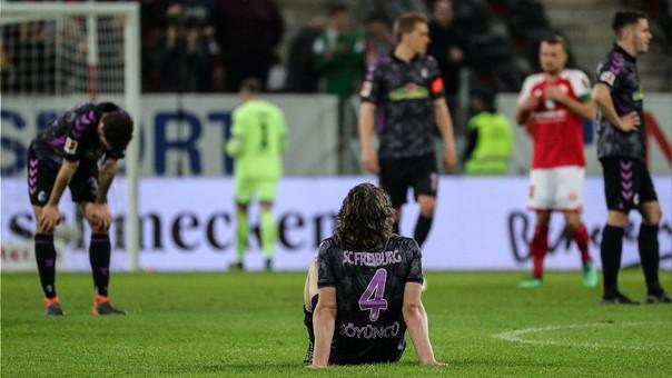 Con su derrota, el Fribugo cayó en zona de descenso, de la que escapó el Mainz gracias a sus tres puntos.
