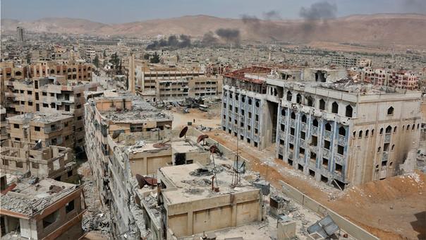 Vista panorámica de Duma, una de las ciudades sirias escenario de la guerra civil en el país.