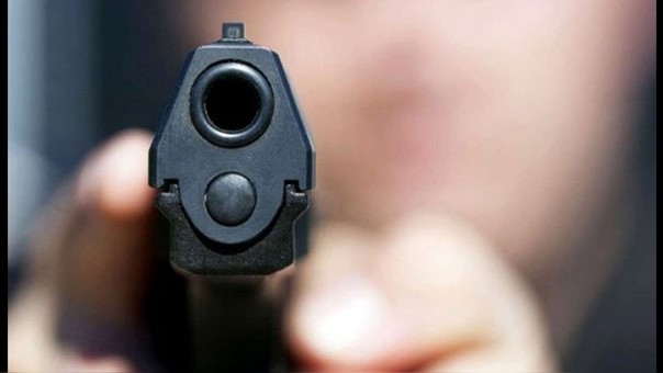 Dos policías mueren abatidos a tiros en restaurante de Florida