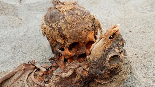 Las excavaciones se remontan a 2011, cuando se encontraron los restos de 42 niños y 76 llamas en un templo de 3,500 años de antigüedad.