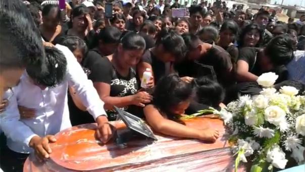 Sepultan a pescador lambayecano fallecido en mar de Chimbote