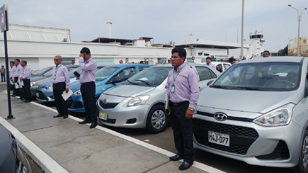 Taxistas apoyarán labores de seguridad en el aeropuerto
