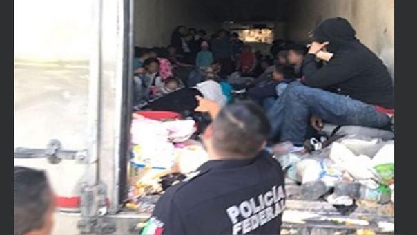 Más de 80 inmigrantes centroamericanos eran transportados dentro de una caja frigorífica