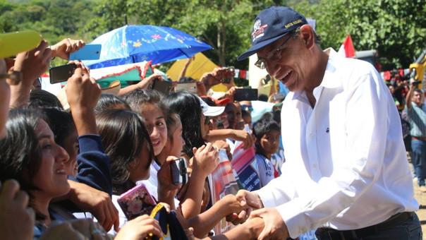 La popularidad del presidente Martín Vizcarra solo descendió un punto.