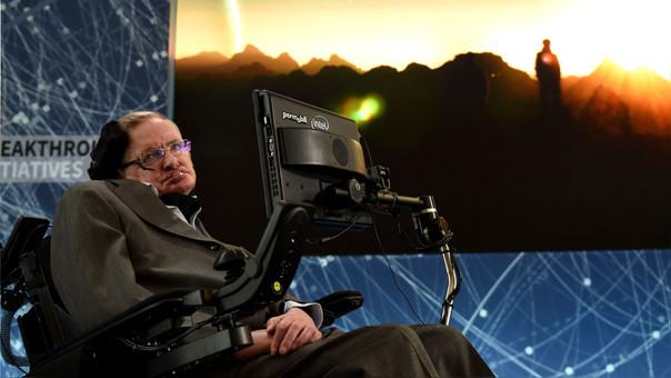 Hawking durante una conferencia de prensa en el 2016.
