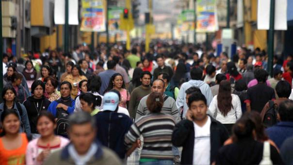 Más de la mitad de los peruanos se mostró a favor de subir los impuestos a una serie de productos que afectan la salud de la población.