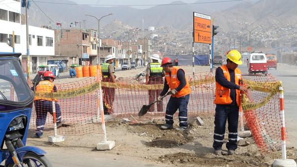 La población ocupada en el sector construcción se incrementó en 8.8% (29,100 personas), debido a la mayor demanda de personal en la construcción de edificios, ejecución de obras de ingeniería civil y acondicionamiento de edificios.