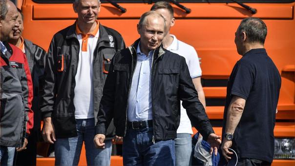 Putin duranta la inauguración del puente.