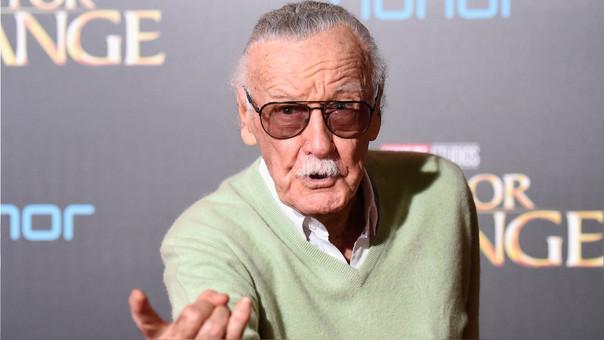 Stan Lee en el estreno de Dr. Strange, película de Marvel basada en uno de los personajes que creó. El artista suele hacer breves apariciones en las adaptaciones al cine de las películas basadas en sus personaje.
