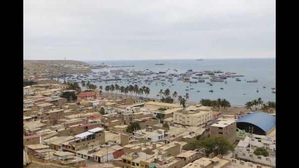 Piura: el mar de Paita languidece entre desagües y contaminación de industrias