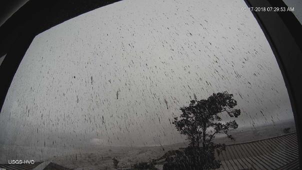La USGS elevó este miércoles a alerta roja el nivel de advertencia ante la erupción del volcán Kilauea.
