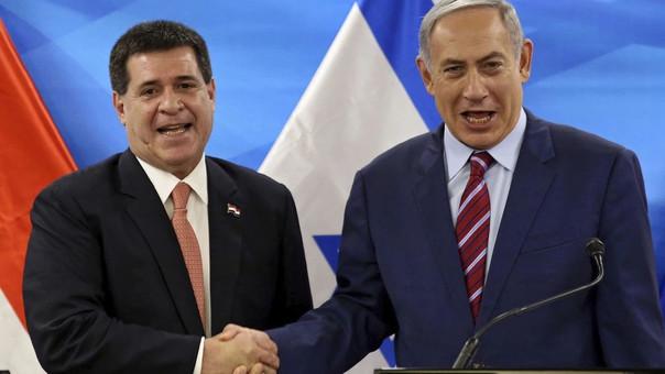 El presidente de Paraguay, Horacio Cartes (izquierda) junto al primer ministro de Israel, Benjamin Netanyahu.