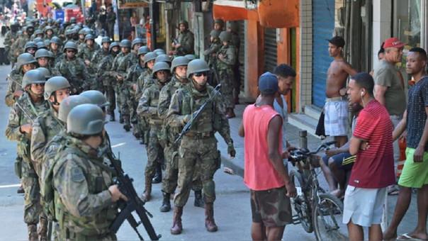 El Ejército en las calles