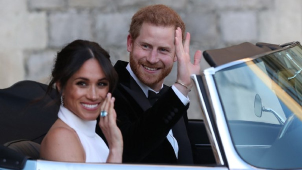 El príncipe Harry, duque de Sussex y Meghan Markle, duquesa de Sussex, abandonan el Castillo de Windsor tras contraer matrimonio.