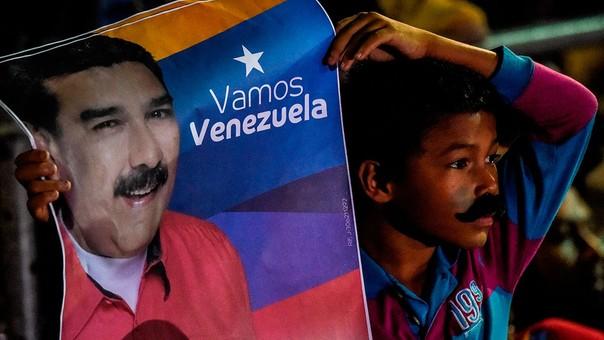 El sucesor de Hugo Chávez ganó una elección discutida con cifras históricas de abstención.