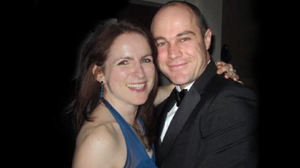 El militar y su esposa, a la que intentó asesinar.