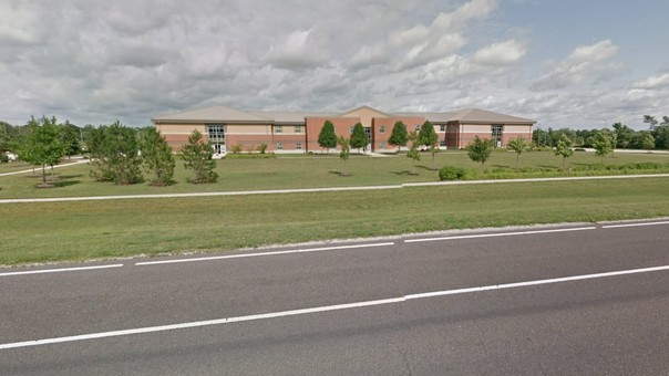 Tiroteo con al menos dos heridos en escuela intermedia de Indiana