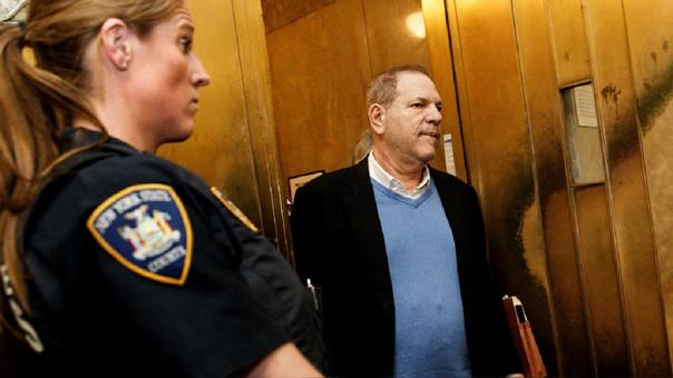 Harvey Weinstein se entrega a la policía