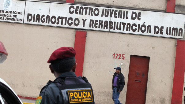 La institución, mediante su cuenta en Twitter, señaló que el pasado mes de abril pidió al Poder Judicial declarar en emergencia a los ocho reclusorios para menores de edad que hay a nivel nacional.