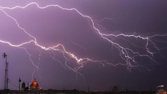 Tormentas eléctricas dejan al menos 60 muertos en la India