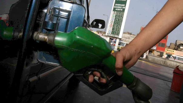 Según el INEI la variación de 0.63% en el rubro de transportes se debe principalmente al reajuste de precios de los combustibles (petróleo diésel 4.6%), debido al incremento del ISC y el alza en el precio internacional del crudo.