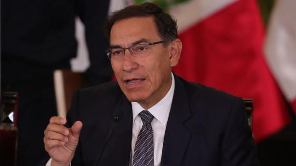 Vizcarra durante su conferencia con prensa extranjera en el Perú.