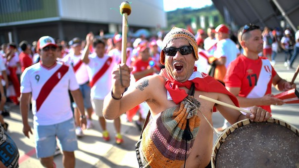 Peruanos en Suiza armaron una fiesta el domingo.