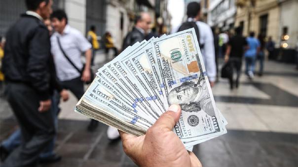 Tipo de cambio del dólar registra este miércoles su peor nivel en más de tres semanas.