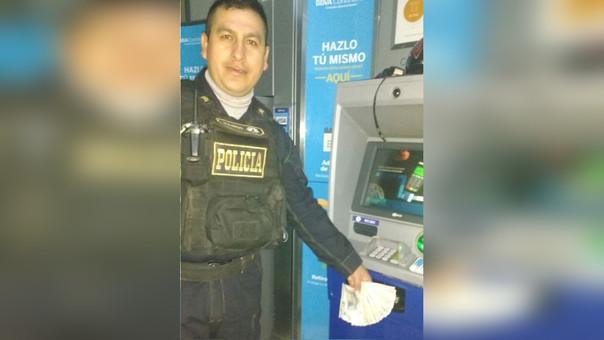 SO PNP Dagoberto Paisig Tarrillo halló el dinero en la madrugada