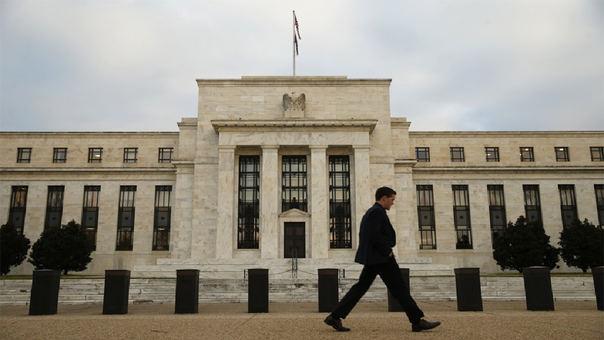 La Reserva Federal de EE.UU. aumentó su proyección de crecimiento económico y adelantó que quedarían dos subidas más de tasas el resto del año.