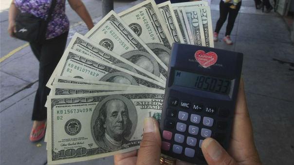 La moneda en los últimos 12 meses el dólar se ha depreciado en -0.15 por ciento.