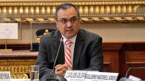 El ministro Oliva señaló que se plantearán al Congreso medidas de carácter tributario para apuntalar el crecimiento del país y fomentar la productividad.