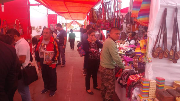 Feria artesanal se asentó en la plazuela Elías Aguirre de Chiclayo