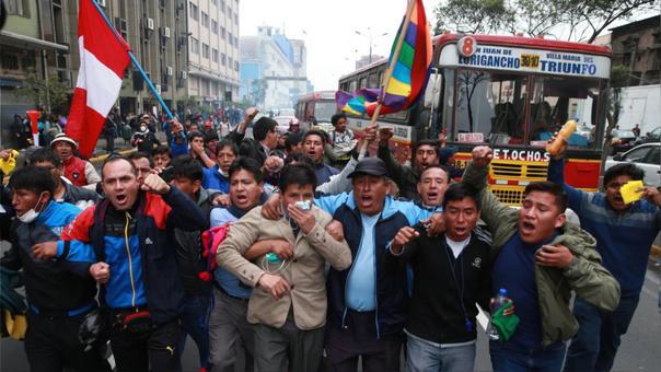 La huelga del pasado año terminó con una crisis en bloque del Gobierno peruano.