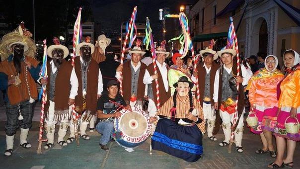 La danza Tatash es una expresión cultural que celebra la actividad agrícola, fundamental dentro de la cosmovisión, la organización social y la economía de las culturas andinas del Perú.