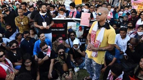 Protesta en contra de linchamientos tras rumores en redes sociales a mediados de junio.
