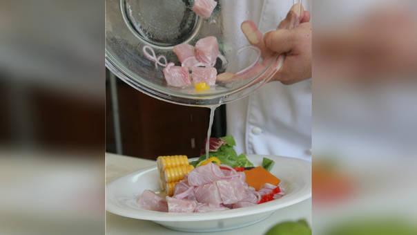 Cucho La Rosa defiende un cebiche en base a los 5 ingredientes básicos: pescado, ají, limón, sal y cebolla.