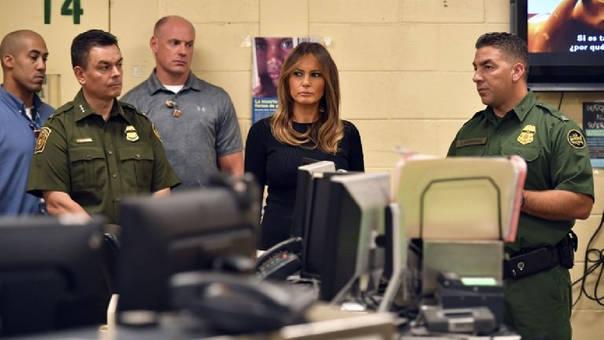 La visita de la primera dama se produce una semana después de que esta realizara un polémico viaje a Texas para visitar un albergue de menores indocumentados.