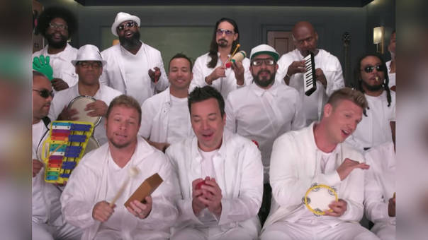 Así suenan los Backstreet Boys con instrumentos musicales de primaria