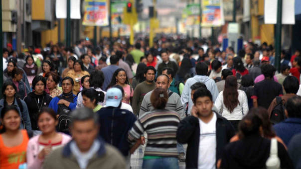La cantidad de puestos de trabajo del sector Servicios ascendieron a 3.1 millones, un crecimiento de 2.9%, lo que representó aproximadamente un 64.1% del total de empleos informados.