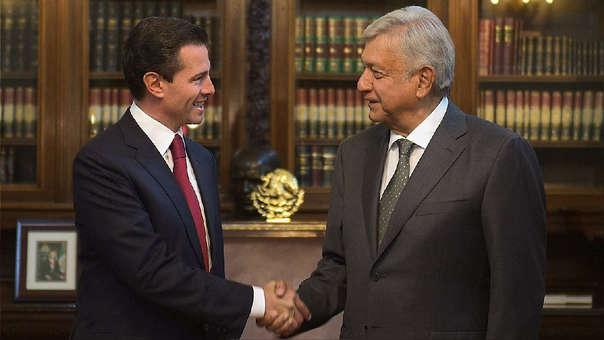 López Obrador (derecha) se reunió este martes con el todavía presidente de México, Enrique Peña Nieto.